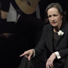 """Come morire da chez Maxim in una luce dorata. """"L'allegra vedova"""" con Maddalena Crippa al Teatro Niccolini di Firenze"""