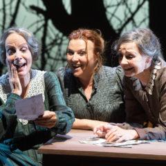 """Una favola nera, """"Sorelle Materassi"""" al Teatro Quirino"""