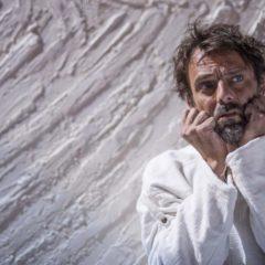 """La crocifissione di Van Gogh. """"L'odore assordante del bianco"""" di Stefano Massini, 26/11-1/12 Teatro Vascello di Roma"""