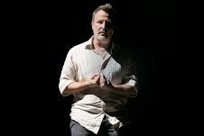 Le voci dell'abisso. Davide Enia al Teatro Biondo di Palermo