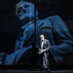 """Il mondo fuor di sesto di Shakespeare. Paolo Valerio dirige Massimo Venturiello in """"Misura per misura"""" alla Pergola di Firenze"""