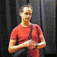 L'Uomo maturo ha un futuro nel teatro underground di Steve Cable. Un inglese alla corte dei miracoli di Catania