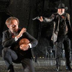 Per non dimenticare le dittature latino-americane. 'Tango del calcio di rigore' al Teatro Modena di Genova, con Neri Marcorè