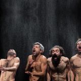 La materia plasmabile dei corpi. 'Bestie di scena' di Emma Dante al Teatro Nazionale di Genova