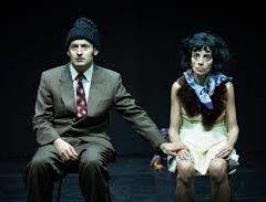 La normalità raccapricciante di una coppia di dittatori. 'Gli Sposi – Romanian Tragedy' di David Lescot al Teatro della Tosse di Genova