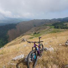Santa Lucerna, racconto ciclosofico da 'Un demone in bicicletta' di Pierluigi Pedretti, ed. Le Farfalle