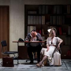 """Teatro Eliseo di Roma. La stagione si inaugura con """"Scene da un matrimonio"""" di Ingmar Bergman. Regia di Andrej Konchalovsky (dal 5 novembre)"""