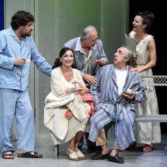 Silvio e il Parkinson dell'anima. 'Si nota all'imbrunire' di Lucia Calamaro, con Silvio Orlando, alla Pergola di Firenze
