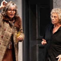 Le briciole amare della vita. 'Le Signorine', con Isa Danieli e Giuliana De Sio, alla Pergola di Firenze