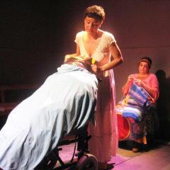 """Il 6, 7 e 8 Marzo 2020 repliche di """"Molly Bloom – Il divino è femmina"""" alla Sala G. Di Martino di Catania, regia Elio Gimbo"""