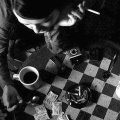 La contrapposizione tra il sé e la maschera: il dualismo esistenziale. 'Coffee & cigarettes' di Jim Jarmusch