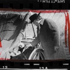 Mostra fotografica 'Ritratto rosso – Elisabetta Catalano guarda Federico Fellini' presentata a Cinecittà