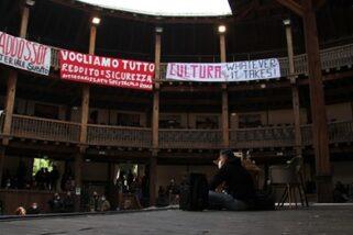 Occupato il Globe Theatre di Roma