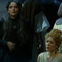 La Norma belliniana indossa il tricolore nel pregevole straniamento della regia di Davide Livermore