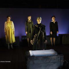 La pacifica guerra delle donne sui legni del Teatro Stabile di Catania